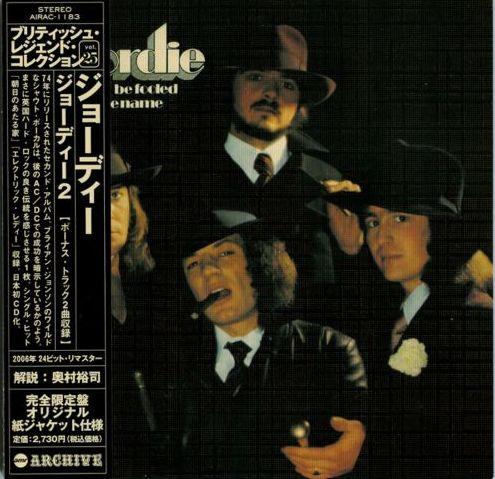 что нынешний вокалист ac//dc мистер брайан джонсон пел в 70-е годы прошлого века в группе geordie